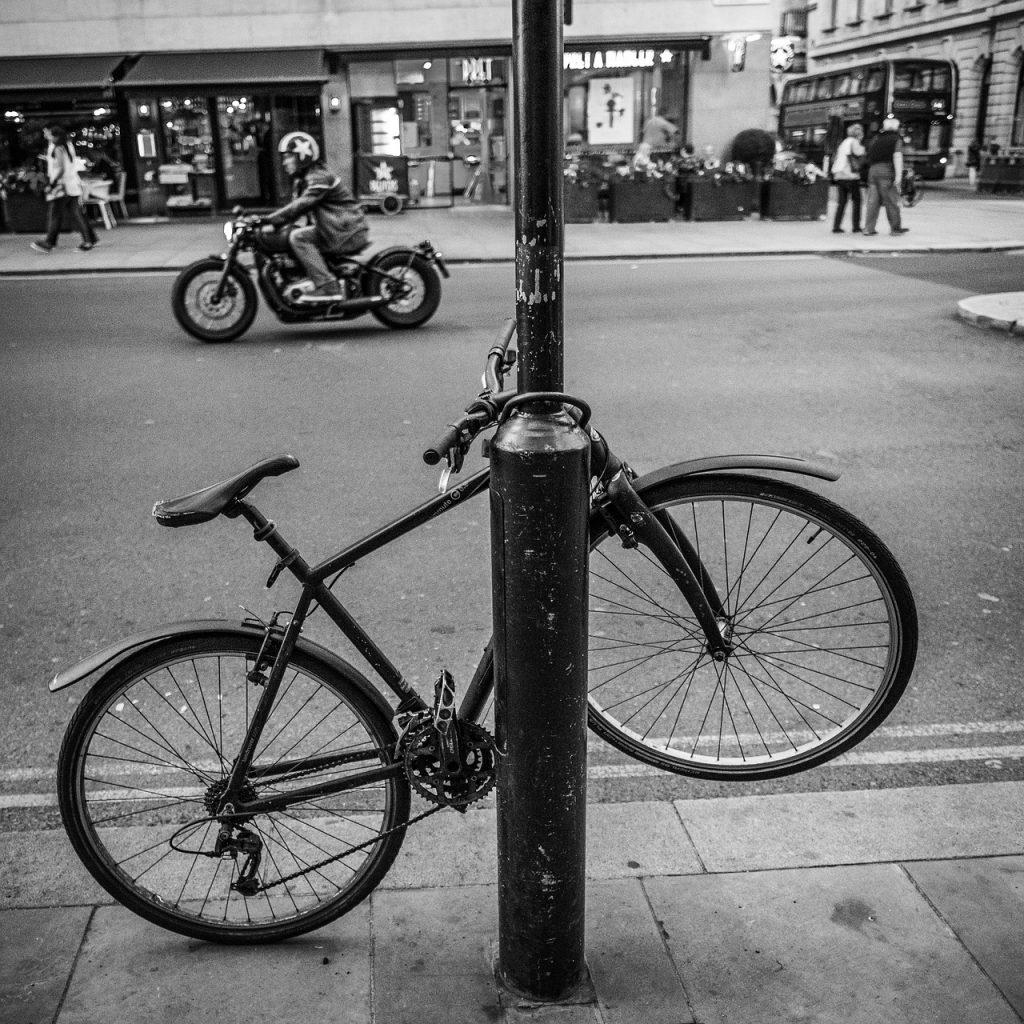 Assurer-vélo-vol-ville-cargo-antivol-assurance-sécurité